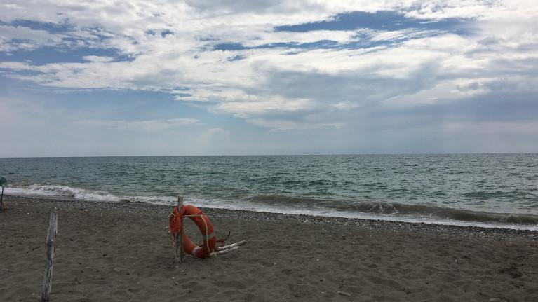 Tra il divano e la spiaggia: letture estive - Maria Carmela Stella, copywriter